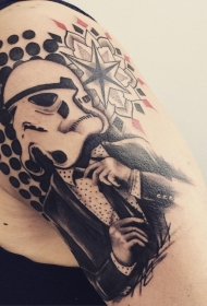 很酷的黑白风暴骑兵大臂纹身图案
