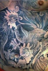 腹部黑白打架的公鸡纹身图案