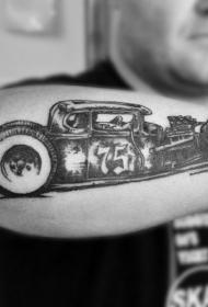 小臂复古汽车纹身图案
