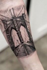 小臂黑色著名城市的桥纹身图案