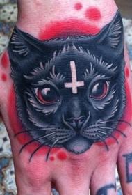 一只黑色的猫手背纹身图案