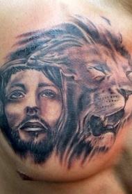 令人惊叹的耶稣肖像和狮子胸部纹身图案