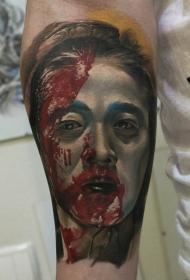 手臂逼真的血腥的艺妓肖像纹身图案