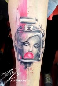 手臂有趣的组合彩色香水瓶与女人肖像纹身