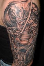 肩部棕色愤怒的日本武士纹身