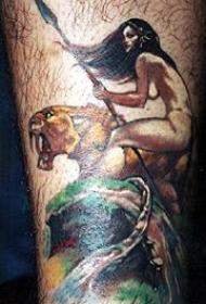 腿部彩色老虎与裸体女孩纹身图案