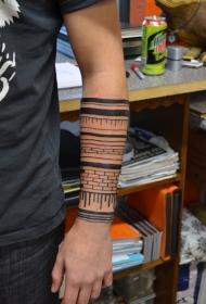 小臂部落砖黑色手环纹身图案