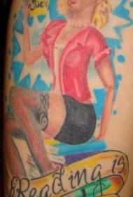腿部彩色性感女郎纹身图案