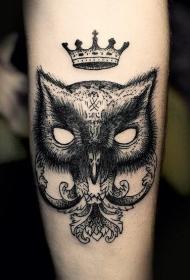 猫头鹰和皇冠纹身图案