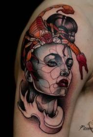 现代传统的彩色女人与蝎子纹身图案