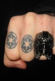 手指黑色戒指图腾纹身图案