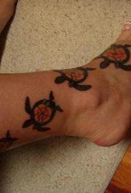 腿部彩色乌龟藤纹身图片