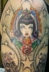 肩部彩色女孩和玫瑰经典纹身图案