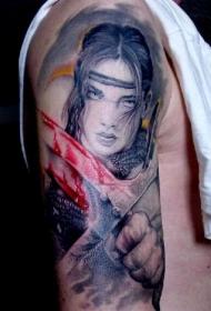 手臂彩色女子战士纹身图片