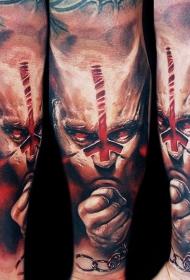 男性手臂很酷的恶魔人纹身图案