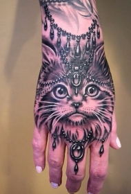 手部巴洛克风格黑白猫脸纹身图案