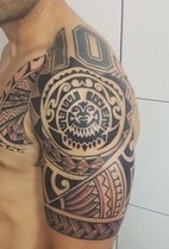 25款男性黑色手臂线条纹身点刺技巧半甲纹身图案