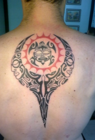 背部个性潮流的图腾纹身图案