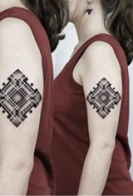 个性的黑白点刺技巧几何元素抽象线条纹身图案
