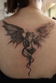 酷黑天使背部纹身