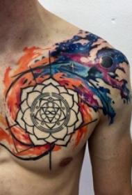 男生胸口黑色线条创意花纹水彩泼墨纹身图片