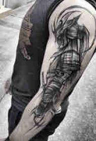 武士纹身 男生手臂上霸气的武士纹身图片
