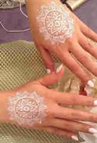 纹身白色 多款小清新文艺纹身白色唯美纹身图案