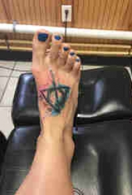 几何纹身 女生脚部几何纹身图片