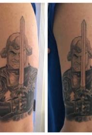 武士纹身 男生大臂上威猛的武士纹身图片