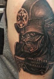 武士头盔纹身 男生大臂上黑色的武士纹身图片