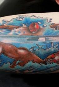 人物肖像纹身 男生手臂上彩色的游泳运动员纹身图片