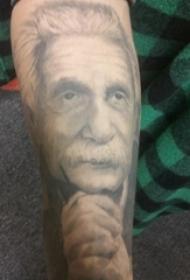 人物肖像纹身 男生手臂上黑色的爱因斯坦纹身图片