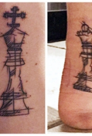 简易纹身素描 男生脚踝上黑色的象棋纹身图片