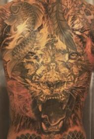 狮子王纹身  男生满背狮子和佛像纹身图片