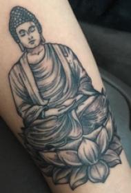 纹身佛 女生手臂上莲花和佛像纹身图片