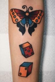 纹身蝴蝶女  翩翩飞舞的蝴蝶纹身图案