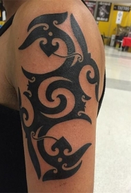 部落图腾纹身  霸气却又低调的部落图腾纹身图案