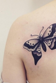 蝴蝶纹身图片   花间飞舞的蝴蝶纹身图案