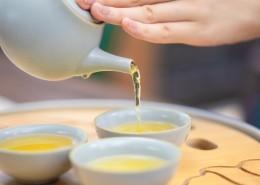 色泽莹亮爽口的茶水图片(13张)