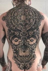 大气的一组大面积黑色图腾点刺纹身作品
