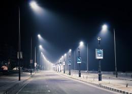 晚上路灯闪亮的街道图片(14张)