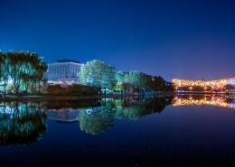 夜晚城市的水中倒影图片(13张)