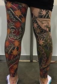 日式风格的传统花腿纹身作品欣赏