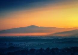 夕阳雾景图片(12张)