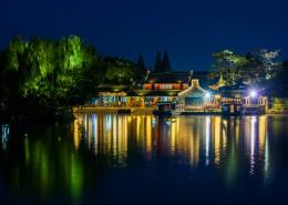 浙江乌镇五彩缤纷的夜景图片(9张)