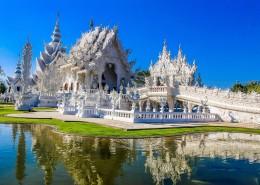 雕刻精美的佛教建筑图片(10张)