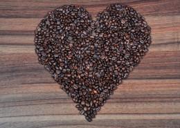 咖啡豆拼成的爱心形状图片(11张)