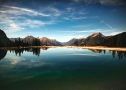 景色迷人的湖泊图片(16张)