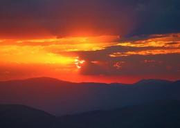 绚丽多彩的天边火烧云图片(12张)