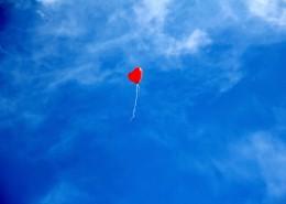 红色心形气球图片(10张)